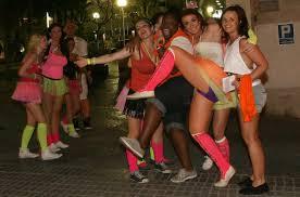 Salou, ciudad símbolo de la España-basurero, prostituida y sin valores