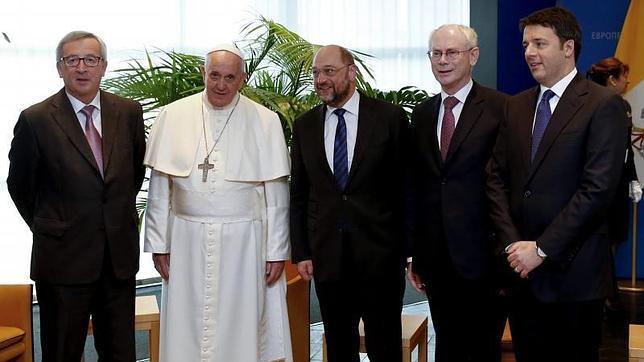El Papa Francisco tira de las orejas a una Europa distanciada de los ciudadanos y de los valores