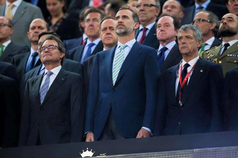 España se desmorona y quizás huela a enfrentamiento civil