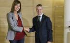 Los dos grandes partidos continúan flagelando a España