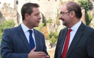Los barones del PSOE se hacen perros falderos del sanchismo