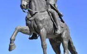 Estatua a Simón Bolivar en Sevilla. Hay muchas otras en Madrid y otros lugares de España