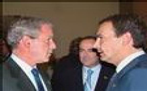 El gobierno de Zapatero está desbordado por los problemas