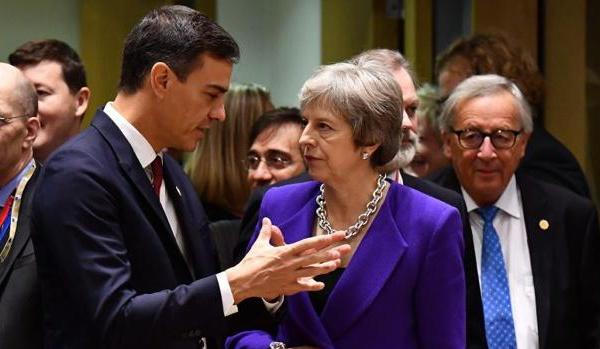 Pedro Sánchez, acusado de ser un traidor por su entrega en la negociación sobre Gibraltar