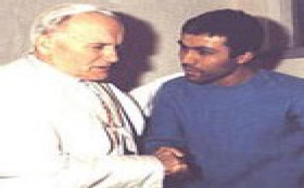 Ali Agca, liberado, en peligro de muerte