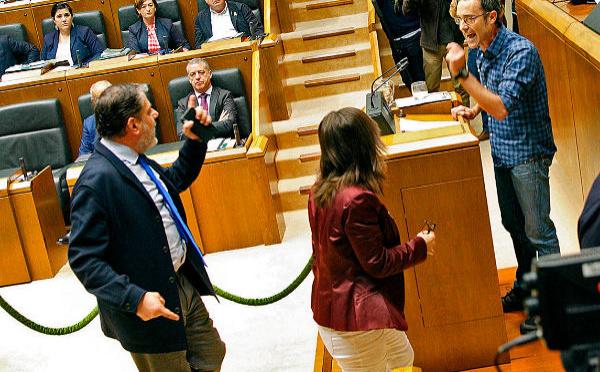 La degeneración del socialismo español se exhibe en el Parlamento Vasco