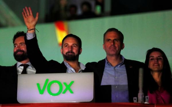VOX se desliga de los grandes debates y apuestas políticas