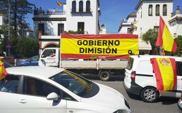 La dimisión de Pedro Sánchez, desacreditado y contestado por más de la mitad de los españoles, es una necesidad