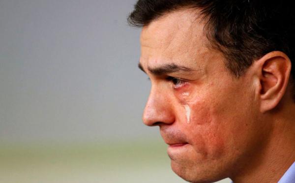 Pedro Sánchez saca la navaja e inicia la purga