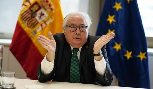 El gobierno indulta a los malos estudiantes para embrutecer a España